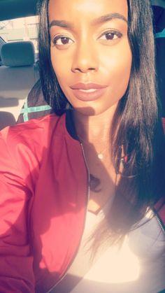 When the sun hits your skin just right! #blackwomenrock #melanin #glow