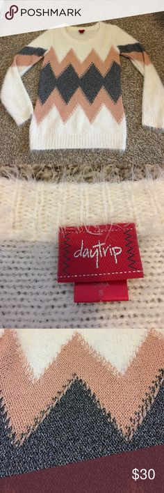 Daytrip Cream Metallic Chevron Statement Sweater Size Small- Cream and Metallic Crewneck fuzzy sweater! This sweater is adorable and so soft! The metallic chevron print is so on trend this fall and winter! Daytrip Sweaters Crew & Scoop Necks