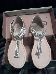 Ladies Sandals Size 9 By: Mia - $20