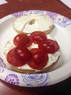 Country Class: Pepperoni and Tomato Bagel Sandwich