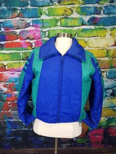 b146f1ba3b Vintage 1980s Colorblock Cropped Puffer Ski Jacket by stephsmashesvintage  on Etsy https   www