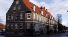 Brødremenighedens Hotel Christiansfeld Located in the South Jutland town of Christiansfeld, this hotel dates back to 1773. It offers free Wi-Fi internet access and rooms with flat-screen TVs and private bathrooms.