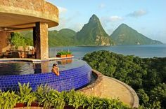 """Jade Mountain's boutique spa, Kai en Ciel (Creole for """"house in heaven""""), has two treatment rooms, an infinity pool, and outdoor relaxation areas. Aromatherapy Associates."""