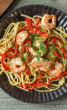 This garlic shrimp scampi dish is super easy and can be whipped up in no time! Recipe from HelloFresh. Get $25 off your first HelloFresh box now with code HELLOPINTEREST.