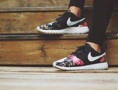 shoes nike floral roshe run nike roshe run...maybe for when i move to the rose city