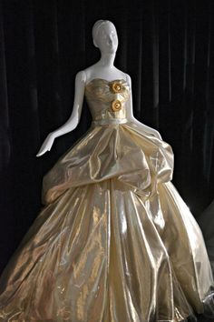10 Couture Takes on Disney Princess Dresses | Mental Floss UK