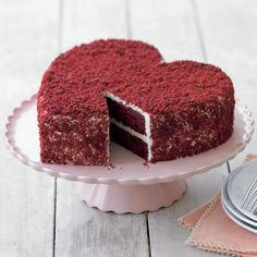 I make a lovely red velvet cake and have heart cake pans.it looks like they baked an extra layer to crumble & sprinkle over the icing, as far I can tell - what a pretty finished cake! Red Velvet Cake, Red Cake, Velvet Cupcakes, Pink Velvet, Heart Shaped Cakes, Heart Cakes, Valentines Day Cakes, Valentines Baking, Love Cake