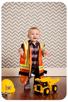 © Sheryl Bjorn Photography - 1st birthday pictures, construction crew