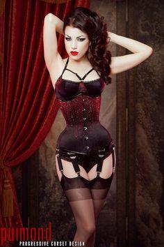 OOOOOoooooh red sparklies on black <3  Corset: Puimond  Lingerie: Karolina Laskowska  Model/MUA/Hair/Photography: Morgana for Threnody in Velvet