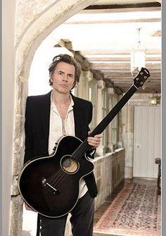 It's true: Duran Duran's John Taylor at London's Bass Guitar Show: March 2! http://duran.io/1ijoo88