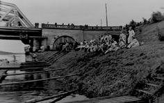 Studenten - ontgroening, Maas-Waal kanaal Nijmegen.