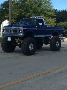 lifted tundra trucksYou can find Lifted ford trucks and more on our website. 1979 Ford Truck, Ford Pickup Trucks, Lifted Trucks, Old Trucks, Chevy Trucks, Ford 4x4, Lifted Chevy, Lifted Dually, Bronco Truck