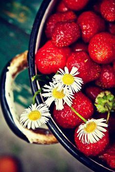 Deliciosa combinación, aunque a mi no me gusten las fresas :(