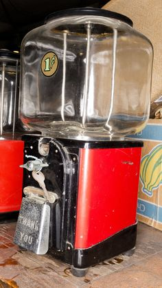 Vintage Gumball Machine @flea_pop