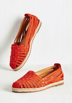 Nifty Flat in Poppy. Call these poppy red sandals by Seychelles what you will - we know your fashion vocab can do their daring design justice! #orange #modcloth