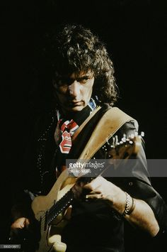 deep-purple-ritchie-blackmore-live-in-australia-unknown-november-1984-picture-id593315677 (679×1024)