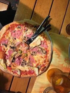 Pizzeria Crocodiles, Innsbruck: Bekijk 60 onpartijdige beoordelingen van Pizzeria Crocodiles, gewaardeerd als 4,5 van 5 bij TripAdvisor en als nr. 48 van 430 restaurants in Innsbruck. </cf>