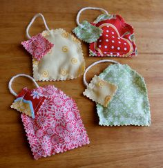 these could be made filled with lavender to be a sachet.Make tea bags w/ rice as filling Tea Party Crafts, Craft Party, Homemade Gifts, Diy Gifts, Crochet Projects, Sewing Projects, Tea Party Setting, Tea Party Favors, Tea Party Birthday