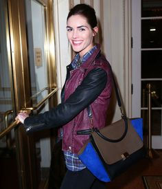 And then there's the traditional model-It Bag combo, demonstrated here by Hilary Rhoda and her Celine Trapeze Bag Celine Trapeze Bag, Louis Vuitton Alma Bag, Hilary Rhoda, Hermes Constance, Anna Dello Russo, Stella Mccartney Falabella, Fashion Show, Fashion Outfits, Phoebe Philo