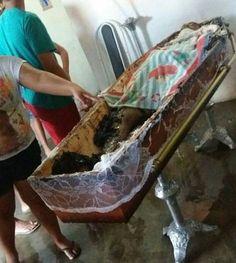 Homens ateiam fogo em caixão de um suspeito da participar da morte do Policial do Raio: ift.tt/2puTxPF