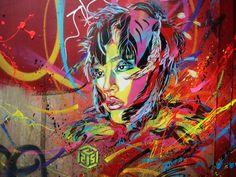 C215, aka Christian Guémy, est un artiste français dont les oeuvres ont été exposées dans le monde entier. La rue est son domaine de prédilection et ses extraordinaires oeuvres murales représentent bien souvent des personnes et objets appartenant à cet univers, par exemple les sans-abri et enfants de la rue. Nous sommes subjugués par le […]
