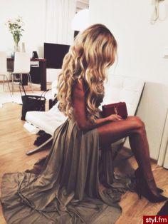 Fryzury  Blond włosy: Fryzury Długie Na co dzień Kręcone Rozpuszczone Blond - TwojaNiespodzianka - 2930032