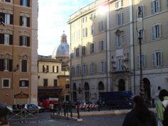 Auf der 5-stündigen Shopping Tour durch Rom hast du Gelegenheit bei zahlreichen italienischen Designer Outlets einzukaufen.