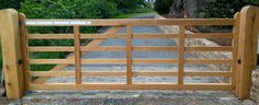 Automated Gate - Air dried oak five bar gate, Faversham, Kent - Oakleigh Manor Wooden Gate Door, Wood Fence Gates, Farm Gate, Farm Fence, Driveway Design, Driveway Gate, Front Gates, Entrance Gates, Wooden Electric Gates