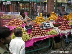 Road side Fruit Vendors - Kolkata