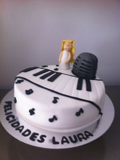 Tarta Piano elaborada por The CakeProject en Madrid