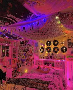 Neon Bedroom, Indie Bedroom, Indie Room Decor, Cute Bedroom Decor, Room Design Bedroom, Teen Room Decor, Room Ideas Bedroom, Bedroom Inspo, Punk Rock Bedroom