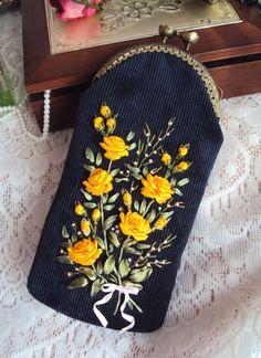 """Gallery.ru / Очечник """"Букет желтых роз"""" - Мои сумочки - Irina-mist"""