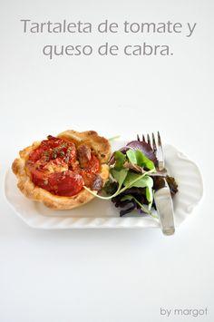 Tartaleta de tomate y queso de cabra. Cheese Recipes, Salad Recipes, Pasta Brisa, Quiches, Queso Cheese, Pizza, Canapes, Appetizers, Favorite Recipes