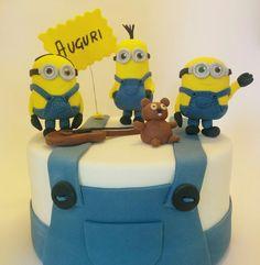 #Minions Fondant Cake Topper