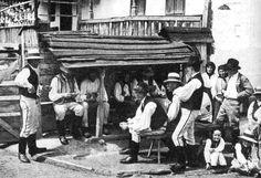 A MAGYAROK TUDÁSA: A magyar házak mágikus ereje Valencia, Folk Music, Budapest, Old Photos, Street View, Military, Marvel, Traditional, History