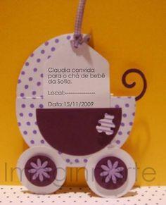 Esse lindo convite para chá de bebê é um encanto,super delicado e funcional.Ele serve como convite e ao mesmo tempo como lembrança,dentro ele tem um compartimento para colocar um sachê de chá como lembrança e vem com o nome do bebê.  Serve como lembrança de NASCIMENTO!    Faço de outras cores tam...