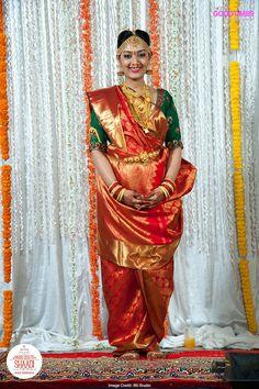 The Tamilian Couple Amrutha & Harshal's Love Story Is No Less Than A Classic Bollywood Movie Wedding Saree Blouse, Bridal Silk Saree, Wedding Sari, Indian Wedding Makeup, Indian Bridal, Madisar Saree, Kanjivaram Sarees, Marathi Bride, Wedding Saree Collection
