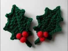 Crochet Leaf Patterns, Crochet Leaves, Crochet Flowers, Crochet Home, Crochet Crafts, Crochet Projects, Crochet Christmas Ornaments, Handmade Christmas Decorations, Christmas Projects