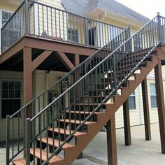 Customer favorite Westbury Tuscany blends of sophistication and strength. These kits make installation simple since rails, balusters, and brackets all arrive to you all in one package. Coordinate Deck Lighting, Gates, or a Continuous Handrail too! Metal Deck Railing, Deck Railing Systems, Stair Railing Design, Cool Deck, Diy Deck, Home Depot, Aluminum Decking, Laying Decking, Outdoor Stairs
