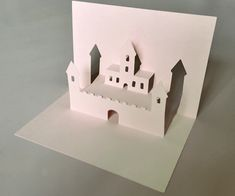 This is a super easy pop-up house, which a child can easily make with one piece of paper and a read more ➝ Kirigami Templates, Pop Up Card Templates, Kirigami Tutorial, Card Making Inspiration, Making Ideas, Pop Up Art, Paper Pop, Diy Papier, Up Book