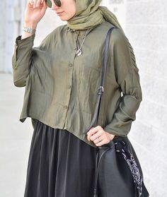 My favorite shade of green  in my favorite summer scarf from @freshscarfs ! • Yeşilin en sevdigim tonu ile en sevdiğim fileli @freshscarfs sal ☺️ •  #hijabi #hijaber #hijabista #hijabdaily #hijabootd #hijabonline #chichijab #modesty #modestfashion #fashion #streetstyle #ootd #hijab #hijabstyle #smile #hijab #ramadan #ootd