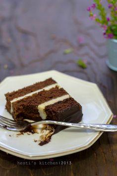 Kue ini adalah salah satu kue favorit keluarga yang mamaku dulu sering bikin. Zaman SD. Waktu itu tiramisu, cheese cake dan black...