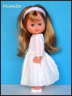 Fabricada por Famosa   Principio de los años 70   Altura: 21 cms   Ojos con mecanismo durmiente e iris margarita azul.     Ya estamos en ...
