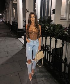 going out outfits ideas Casual Bar Outfits, Dinner Outfits, Chic Outfits, Trendy Outfits, Fashion Outfits, Woman Outfits, Club Outfits Jeans, Fashion Ideas, Night Out Outfit