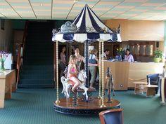 Evénement carrousel 1900 manèges à louer #cgorganisation #VaranneEvent #locationdemanege #AnimationCentreCommercial #carrouselvintage Carrousel, Centre Commercial, Location, Fair Grounds