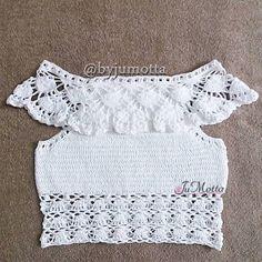 Fabulous Crochet a Little Black Crochet Dress Ideas. Georgeous Crochet a Little Black Crochet Dress Ideas. Top Crop Tejido En Crochet, Crochet Tank Tops, Crochet Bikini Top, Crochet Shirt, Crochet Baby, Knit Crochet, Black Crochet Dress, Top Pattern, Crochet Designs