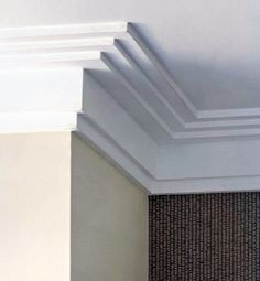 From traditional ornate plaster to modern wooden trim, discover the top 70 best crown molding ideas. Crown Molding Modern, Ceiling Crown Molding, Ceiling Trim, Moldings And Trim, Ceiling Design, Wall Trim, Faux Crown Moldings, Diy Crown Molding, Wooden Trim