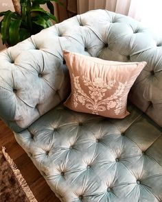 Present Day, Living Room Furniture, Istanbul, Home Accessories, Comforters, Living Spaces, Sweet Home, Old Things, Throw Pillows