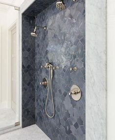 Featuring @palatialstoneandtile and this exquisite #tile #shower for todays #TileTuesday post! // #architecture #bathroomdesign #designhounds #designer #designinterior #homeinterior #homedesign #instadesign #interiordesign #interiors #interiorinspo #idcdesigners #pattern #tileometry #teamtile #tiles #tiled #tilecrush #tileaddiction #tiledesign #tilelove #tilestyle #tilework #whytile ##walltile