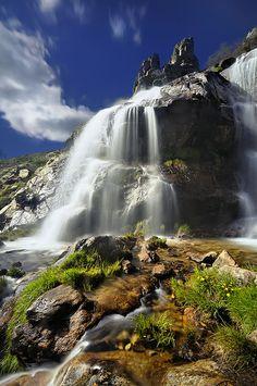 Waterfall of thaw, Madrid, Spain  ➦ Más Información del Turismo de Navarra España: ☛ #NaturalezaViva  #TurismoRural ➦   ➦ www.nacederourederra.tk  ☛  ➦ http://mundoturismorural.blogspot.com.es ☛  ➦ www.casaruralnavarra-urbasaurederra.com ☛  ➦ http://navarraturismoynaturaleza.blogspot.com.es ☛  ➦ www.parquenaturalurbasa.com ☛  ➦ http://nacedero-rio-urederra.blogspot.com.es/ s